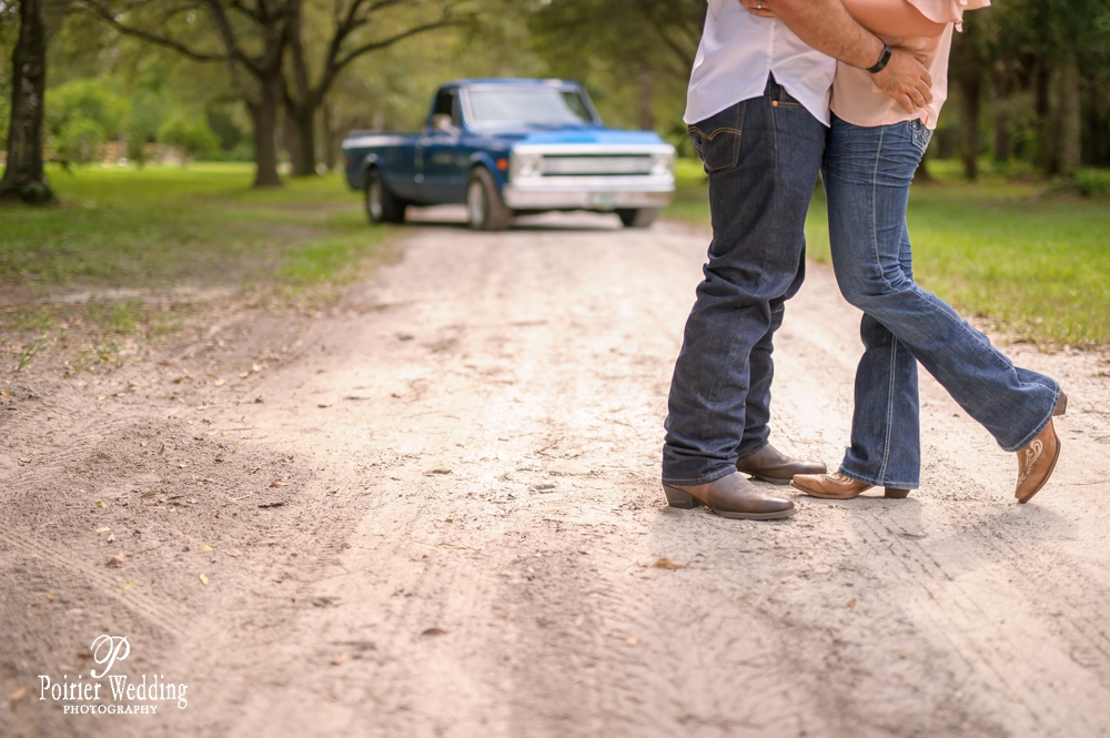 Tennessee engagement photo shoot